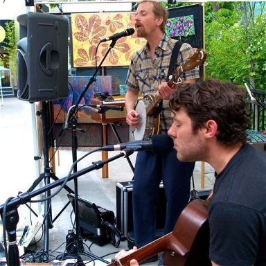 Kites and Crows plays the afternoon set on Sunday, April 28 at Lithia Artisans Market. Live music every weekend in Ashland along Ashland Creek.