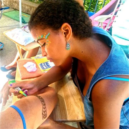 New Henna artist Mumi and her mother Alima bring an ancient art-form to Lithia Artisans Market.