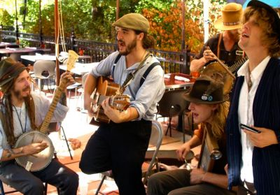 St. Cinder plays their infectious tunes to Lithia Artisans Market this coming Sunday, August 3 from 3-5. Sure to keep your feet tappin'.