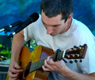Caleb Orton is back in southern Oregon and playing Lithia Artisans Market on Sunday, Sept. 7 from 11-1. Love his tunes.
