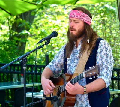Eric Leadbetter, Musician, Lithia Artisans Market of Ashland, Oregon